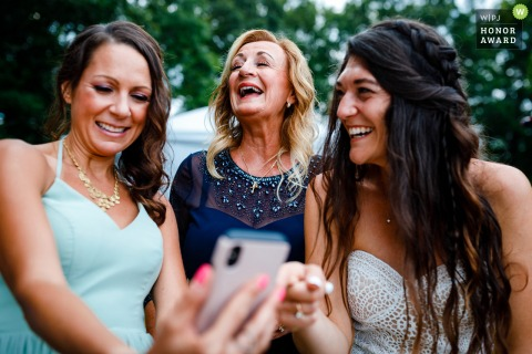 A Colorado bride is sharing photo moments with her mother from her phone that took place earlier in the day