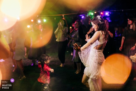 Turkey Gebze wedding photography of the bride Hitting the Dance Floor