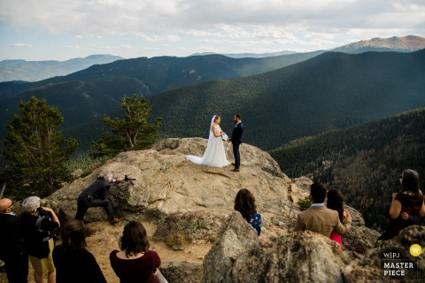 Colorado wedding photography from a Small wedding ceremony at the top of a mountain