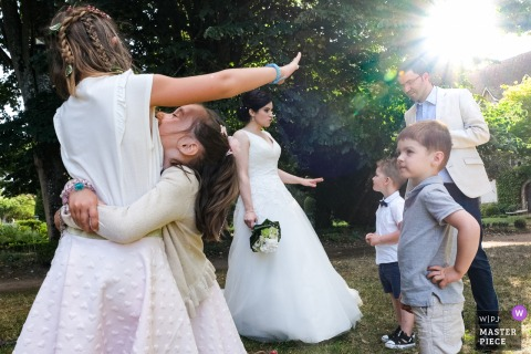 Wedding photography from Le Poudrier Limoges as the Kids are playing