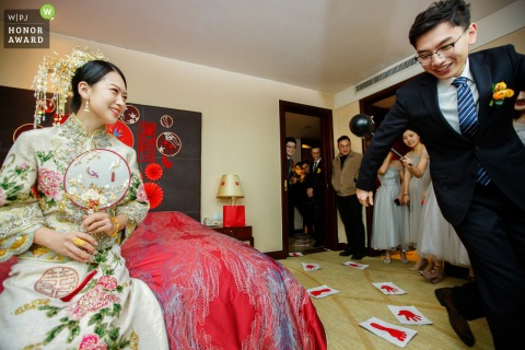 China gate crashing wedding photo from Hangzhou as they Play the game