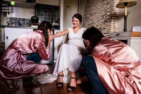 Wedding photography of the Getting ready bride in Bretagne at rennes ille et vilaine during preparations