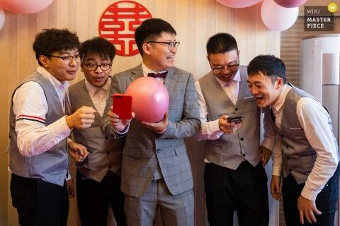 Photographie de mariage en Chine de la maison d'une mariée du Zhejiang du chant du meilleur homme et du marié