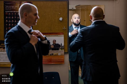 Illinois preparations wedding photo from Chicagoas the groom and groomsman getting ready