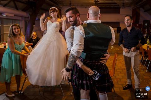 Réception Bas-Rhin photographie de mariage du jeu de kilt à la fête