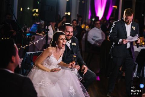 Sequoia, Washington, DC fotografia di matrimonio che mostra il fratello dello sposo fare un errore durante il suo discorso da migliore uomo