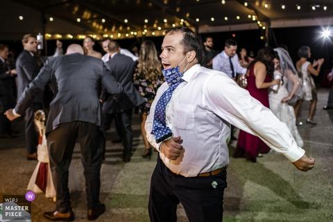 Foto del matrimonio del Cog Hill Country Club di qualche folle filo interdentale sulla pista da ballo