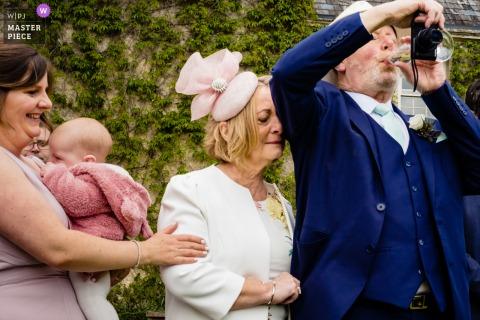 CloughJordan House beste trouwreportagefotografie uit Ierland met een foto van de moeder van de bruidegom emotioneel tijdens de eerste dans