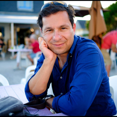 Paul Rogers, a wedding photographer in the UK, is a photojournalist that worked for The Times newspaper in London before shooting wedding reportage in England.