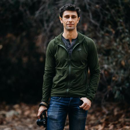 Jonathan Moore est un photojournaliste de mariage documentaire primé du sud de la Californie.