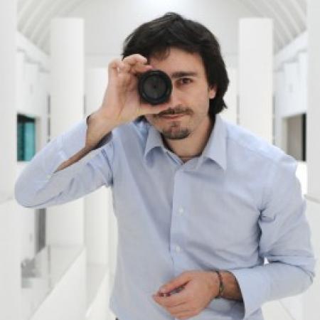 Portrait of Turin wedding photographer Alain Battiloro - Piedmont and Italy WPJA