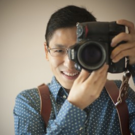 John Lee专注于香港婚纱摄影,具有摄影新闻风格。