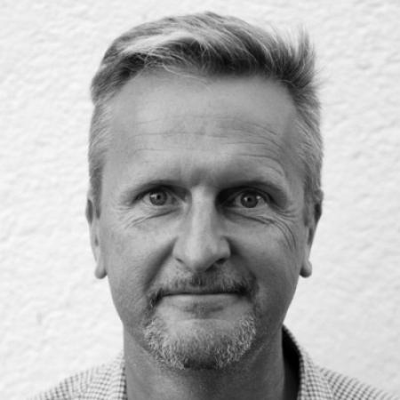 David Page is een fotojournalist voor bruiloften en schurken, nu in de Franse regio Limousin