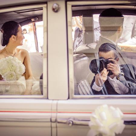 Rico Tsui, uit Hong Kong, SAR, China, is een volleerd trouwfotojournalist