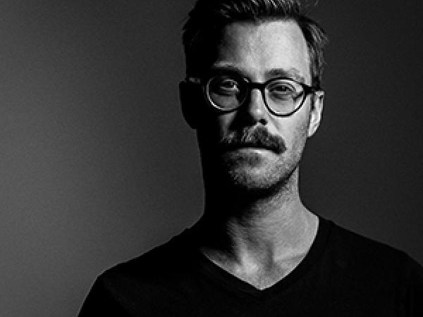 """""""Uwielbiam fotografować ludzi"""" - mówi Daniel Kuhlmann, fotograf ślubny z Niemiec."""