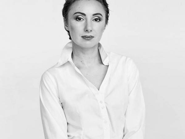 Lubow Polyanska jest fotografem ślubnym w Czechach i Pradze.
