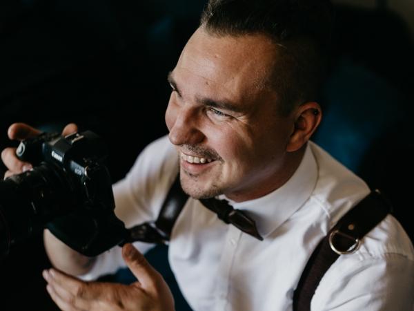 Fotografía de la boda de Helsinki por Petri Mast de Finlandia