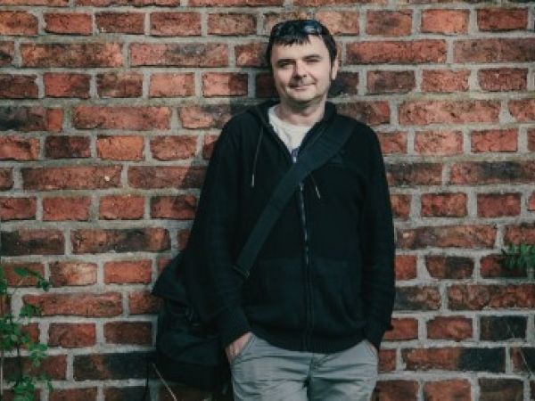 Andrzej Koston ma wiele doświadczeń fotograficznych podczas sesji zdjęciowej w Niemczech i Berlinie.