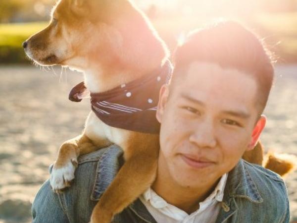 Jon Sun vient des régions de Mountain View et de San Francisco en Californie et photographie des mariages pour couples dans le monde entier.