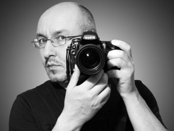 Vladimir Khaptinskiy is mostly at home while shooting wedding photos in Germany and North Rhine-Westphalia