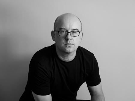 Exclusief voor bruiloften, heeft Peter Pawinski uit Chicago een achtergrond in fotojournalistiek in de krant