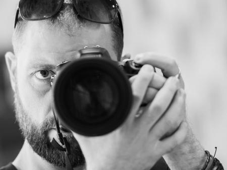 Autorretrato del fotógrafo de bodas de Sofía Todor Rusinov, de Bulgaria