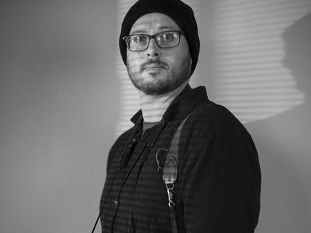 Autoportrait de Chris Rusanowsky en noir et blanc - Photographe de mariage TX
