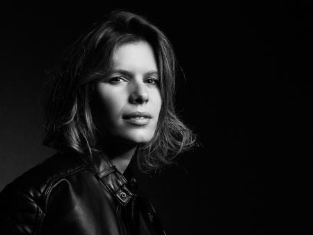 Kathleen Viron-Dunn est une photographe de mariage de Bourgogne, originaire de France.