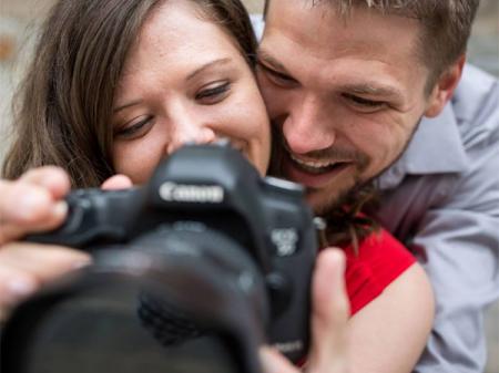 Earl McCoy es un fotógrafo de bodas de MN del estudio de Penny Photographics.
