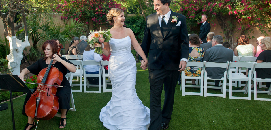 Garden wedding photo from a ceremony at the Royal Palms Resort, Phoenix, AZ by Laura Segall
