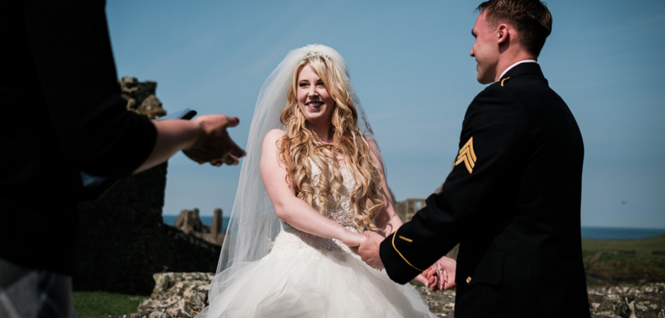 Northern Ireland outdoor wedding ceremony photos at Dunluce Castle