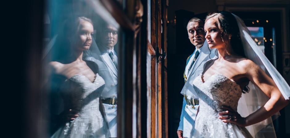 Ruse, Bulgaria Elopement portrait of the reflected couple - Photo by Detelina Krasteva