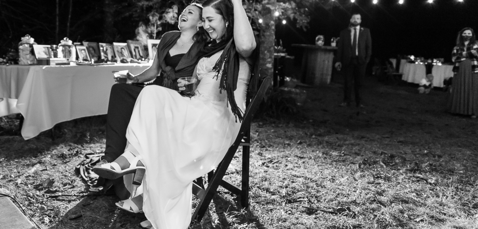 Immagine di ricevimento di matrimonio all'aperto da un Elopement - Foto di Cindy Brown
