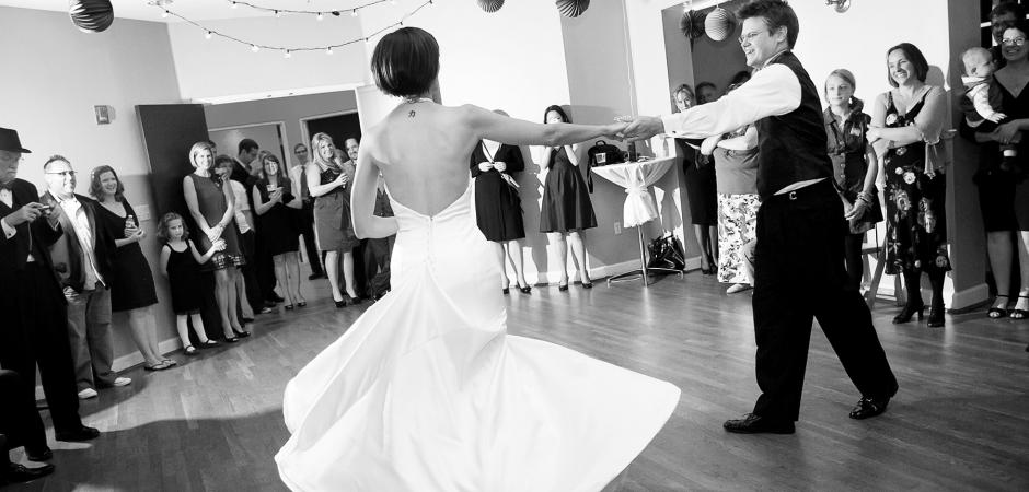 Solarium, Atlanta, Georgia Elopement Foto de novios bailando - Imagen de boda por: Cindy Brown