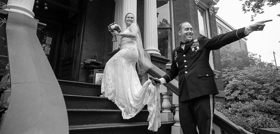 BW wedding elopement image from the Kehoe House, Savannah, Georgia - Photography by Cindy Brown