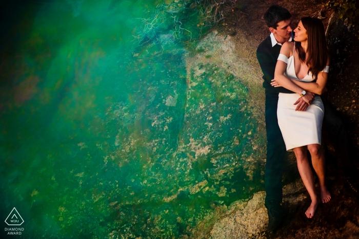 Lake Tahoe fotógrafo de compromiso | Sesión previa a la boda en California con una pareja con ropa formal
