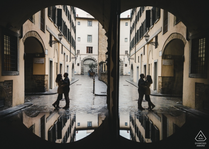 Redundancy, and Repeating, and symmetrical for this Portugal pre-wedding portrait