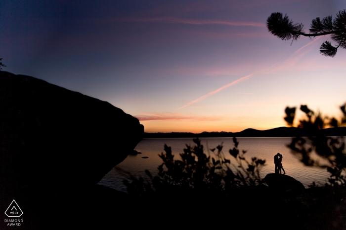 Lake Tahoe Verlobungsfotograf - Porträts am See bei Sonnenuntergang