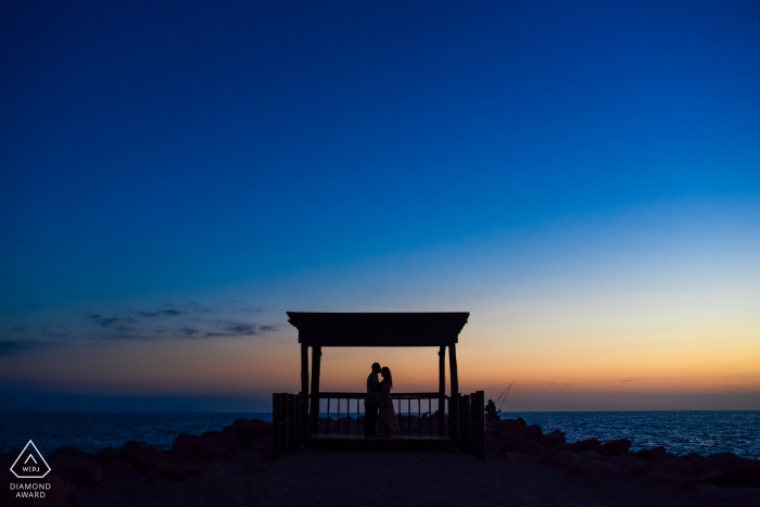 Silhouettes at the ocean for this Puerto Vallarta engagement shoot in Jalisco