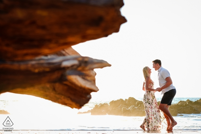 Puerto Vallarta pictures of a couple at the beach by a top Jalisco wedding engagement photographer