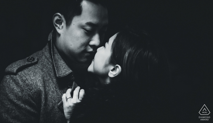 venice winter engagement shoot in black and white