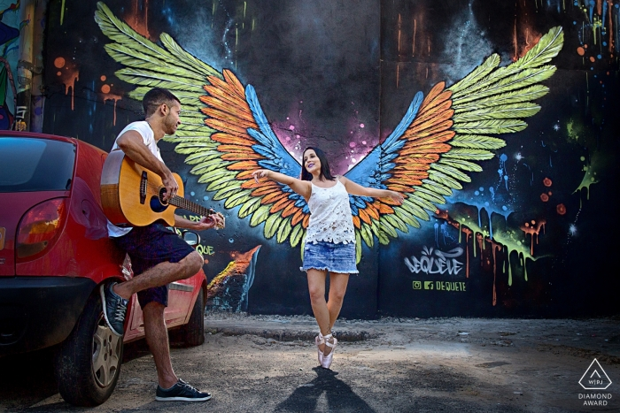 Goias Engagement Photography Session with guitar, ballet and street art