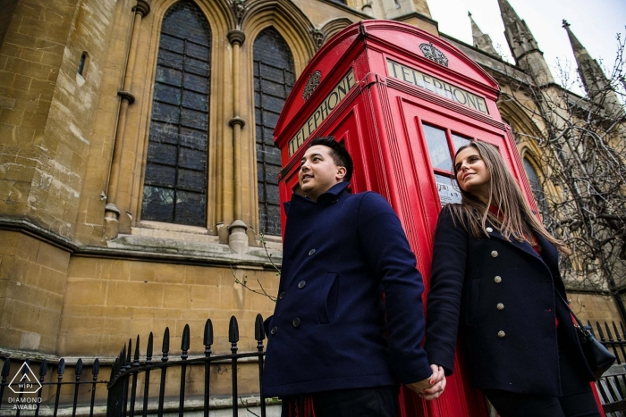 London Verlobungsshooting mit Red Telephone Booth - Verlobungsfotograf