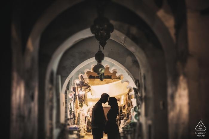 Marrakesz, portrety zaręczynowe Maroka - Pre ślubna sesja nocą w Marrakeszu