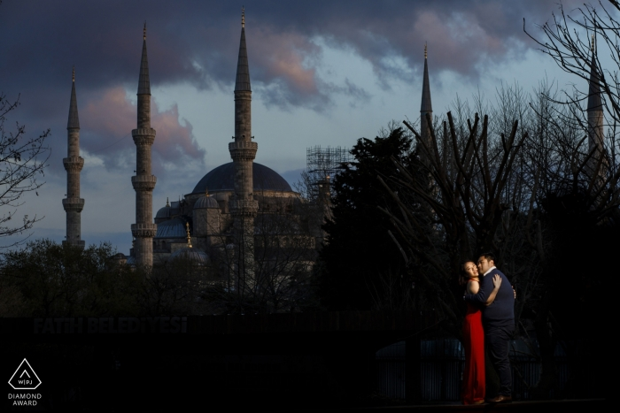Istanbul engagement Photo session at blue mosque at sunset