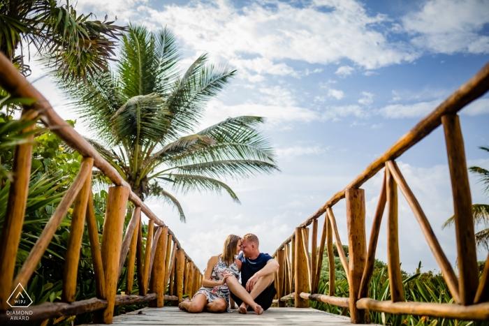 Playa del Carmen Engagement Photoshoot - Kisses on the boardwalk