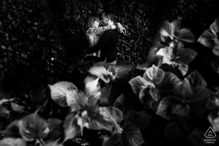 Trieste, Italie - Portrait de fiançailles créatif en noir et blanc