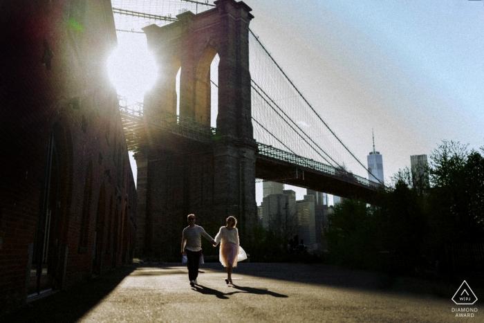 NYC engagement sunset photo session with bridge