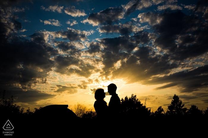 Hvězdárna a planetáruim Brno sunset portraits of engagement for a couple