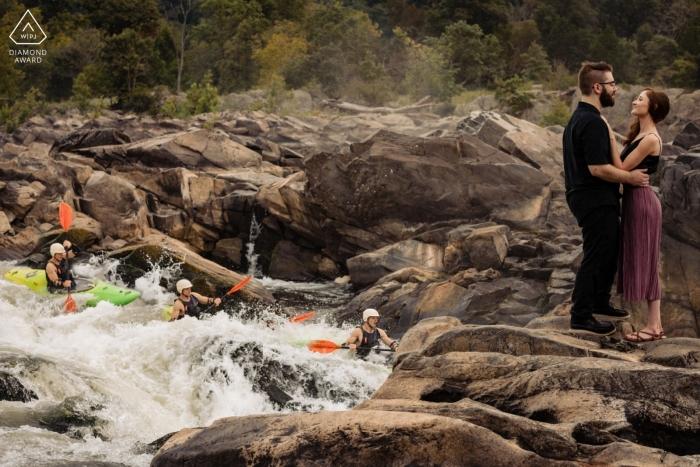 Portrait de fiançailles du parc national de Great Falls | Amour et aventure